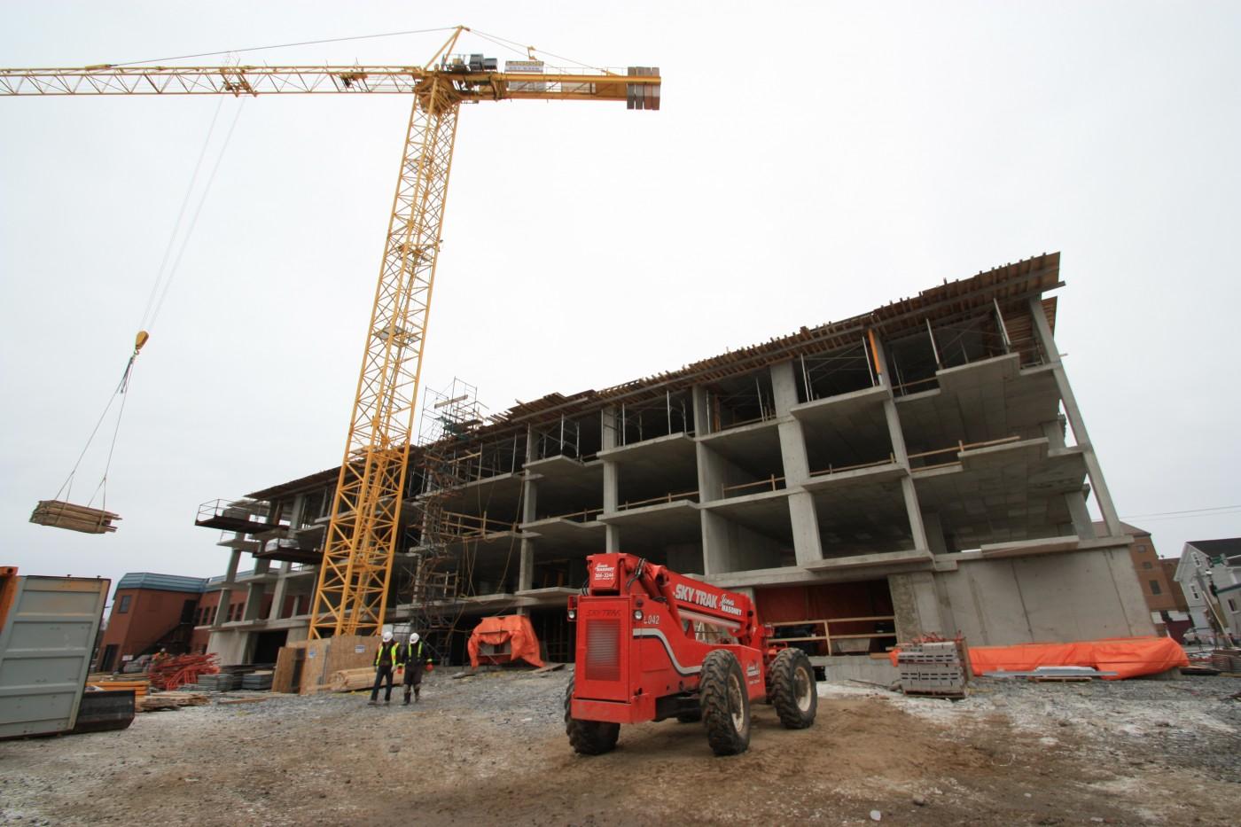 Home lancor concrete form work for Concrete home contractors